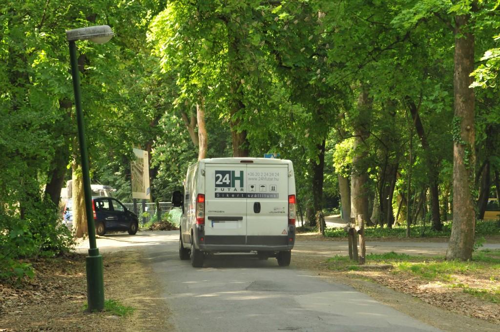 Útépítések után új forgalmi rend a Wittmann-parkban