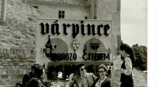 Mosonmagyaróvár Retro: Budavár bélszín és gazdász szelet a Várpincében