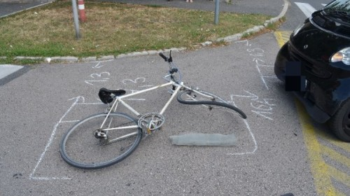 Fellökte a biciklist