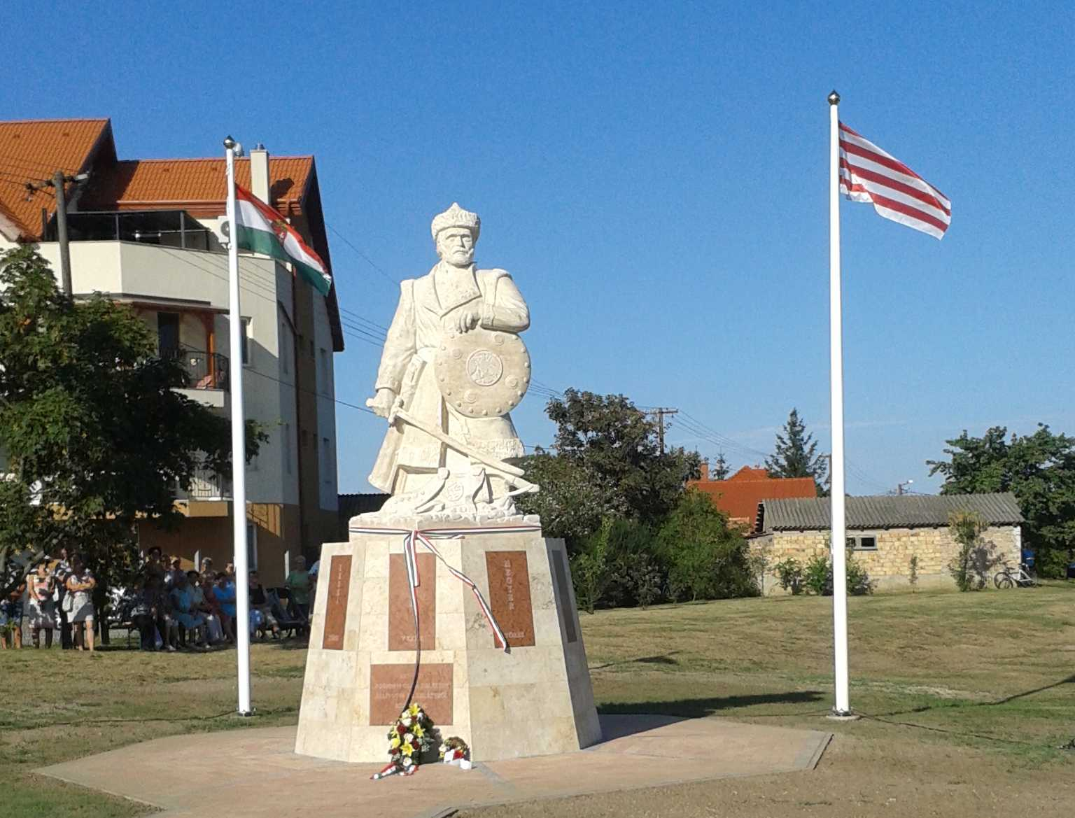 Árpád szobrot avattak Rajkán