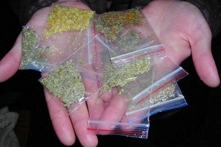 Egyre fiatalabban drogoznak