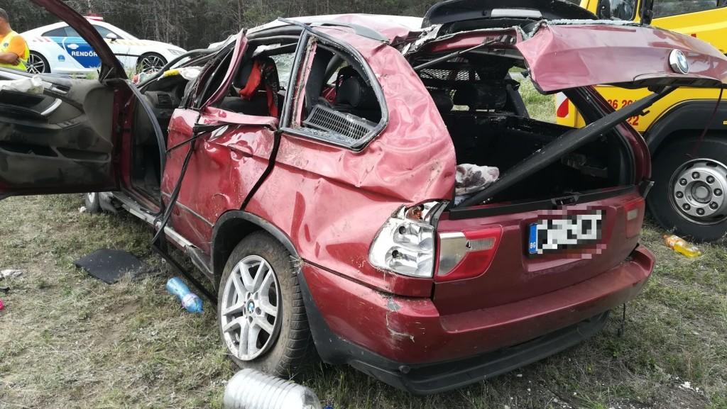 Kettős tragédia az M15-ös autóúton