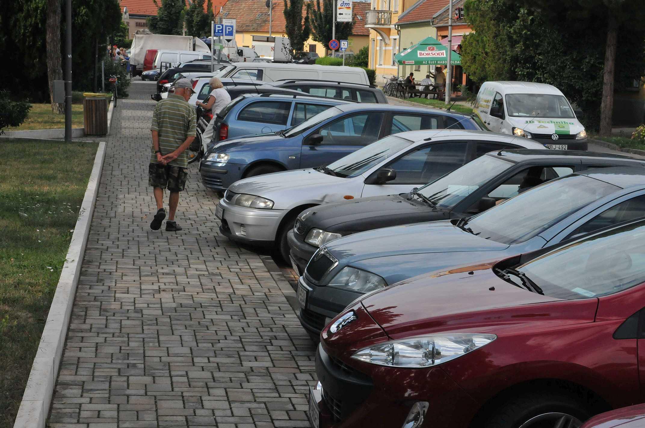 Parkolóhely lenne, de kevesen használják